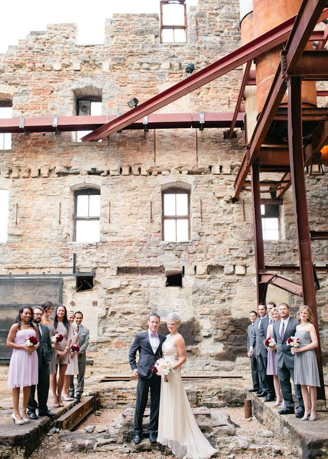 outdoor wedding venues minneapolis%0A Mill City Museum wedding party   Photography by Canary Grey