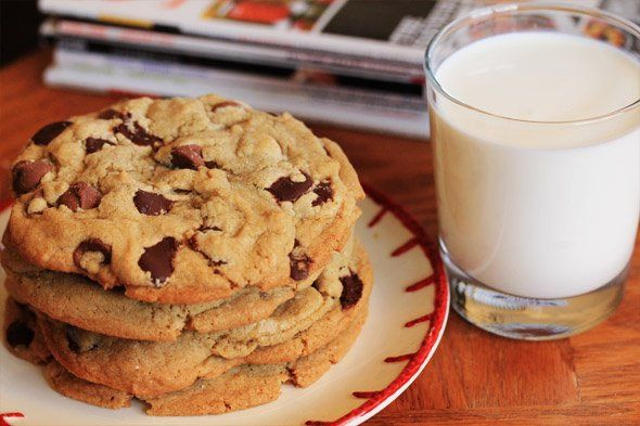 Les cookies, c'est la vie ! Réalisez recette traditionnelle américaine de cookies, moelleuse et tellement addictive que vous allez avoir envie d'en manger pour toujours ! @sinibaldo La r...