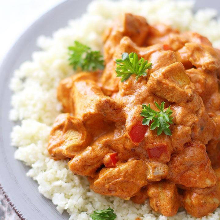 Kristine Webers sunne kylling tandoori inneholder verken fløte eller smør, og serveres med blomkålsris. Dette er en av mine favoritter, forteller bloggeren
