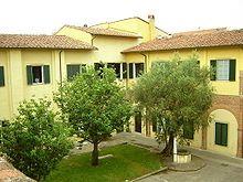 La Scuola Superiore di studi universitari e di perfezionamento Sant'Anna, più brevemente Scuola Superiore Sant'Anna, è un istituto universitario con sede a Pisa. È una delle Scuole Superiori italiane ad ordinamento speciale riconosciute dal Ministero dell'Istruzione e quindi considerate come veri e propri atenei dotati di autonomia.