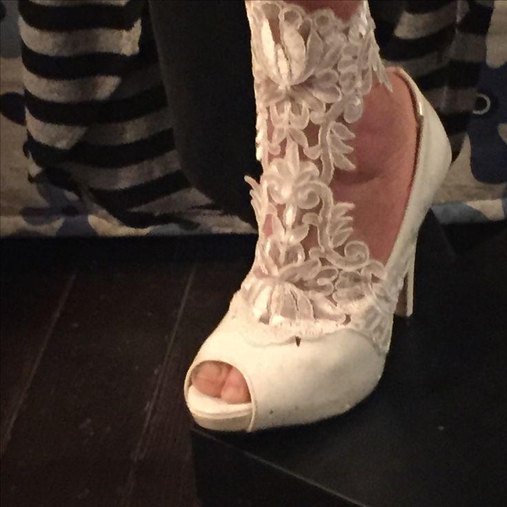 Moda shoes Sposa pizzo e gioielli