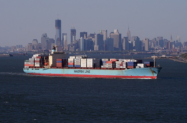 Maersk Meteor container ship and New York City via Tom Turner/SeaTeamImages -Flickr