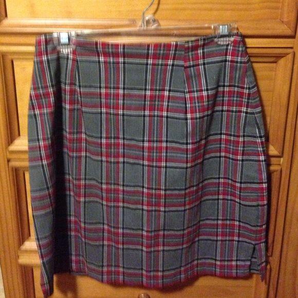 Plaid mid skirt Red/gray:black and white skirt. Fashion Bug Skirts