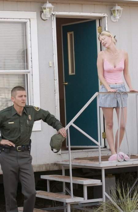 Barry Pepper and January Jones in one of the scenes in The Three Burials of Melquiades Estrada