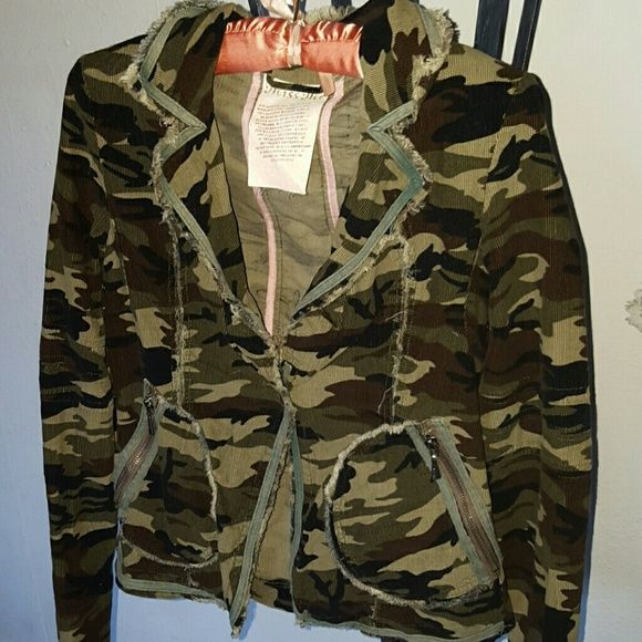 Miss Me army Fatigue Mini blazer In great condition, 100% cotton, one button Miss Me Jackets & Coats Blazers
