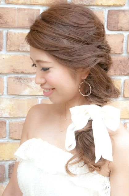 結婚式 二次会に☆人気のワンサイドダウン♪ | 神奈川県・元町・石川町の美容室 hair coucouのヘアスタイル | Rasysa(らしさ)