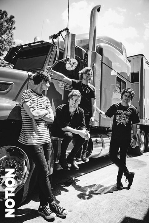 I'm so happy about Calum wearing Converse still. Oh my God...so glad.
