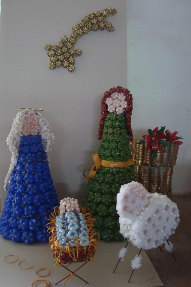 Decorações natalinas feitas com garrafa pet