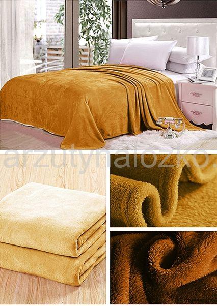 Koc na łóżko w kolorze miodowym