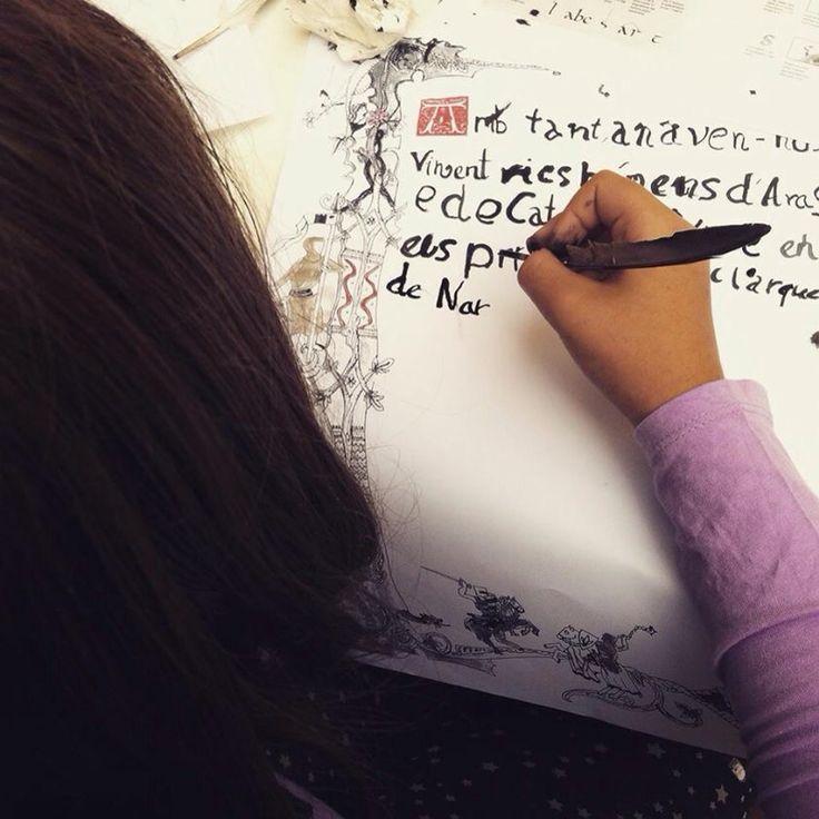 Taller de Caligrafia Medievals CaminArt Valencia niños adolescentes didáctica