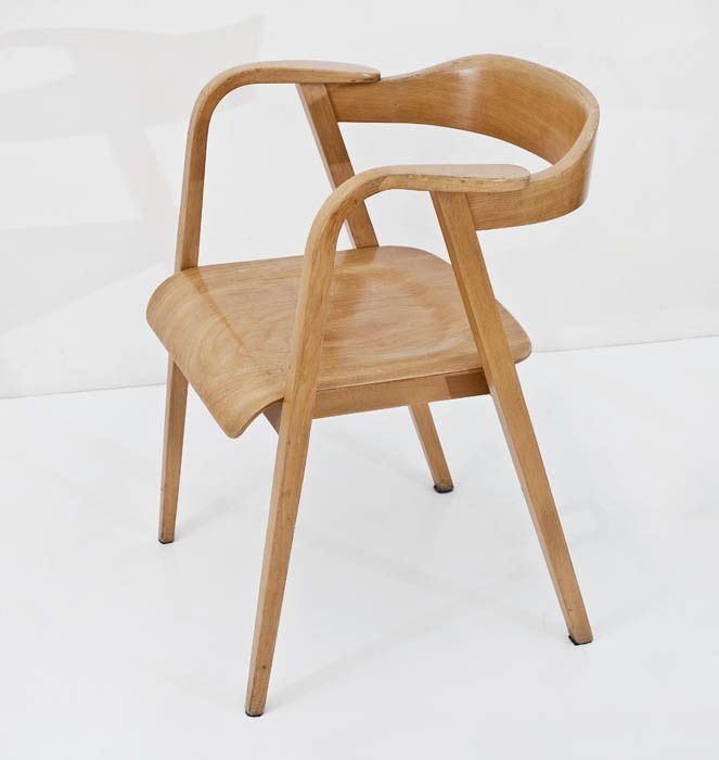 Marian Sigmund, bent armchair, produced by the Bifameg Bielsko Bent Furniture Factory in Jasienica, 1958, collections of the National Museum in Warsaw, photo: Michał Korta