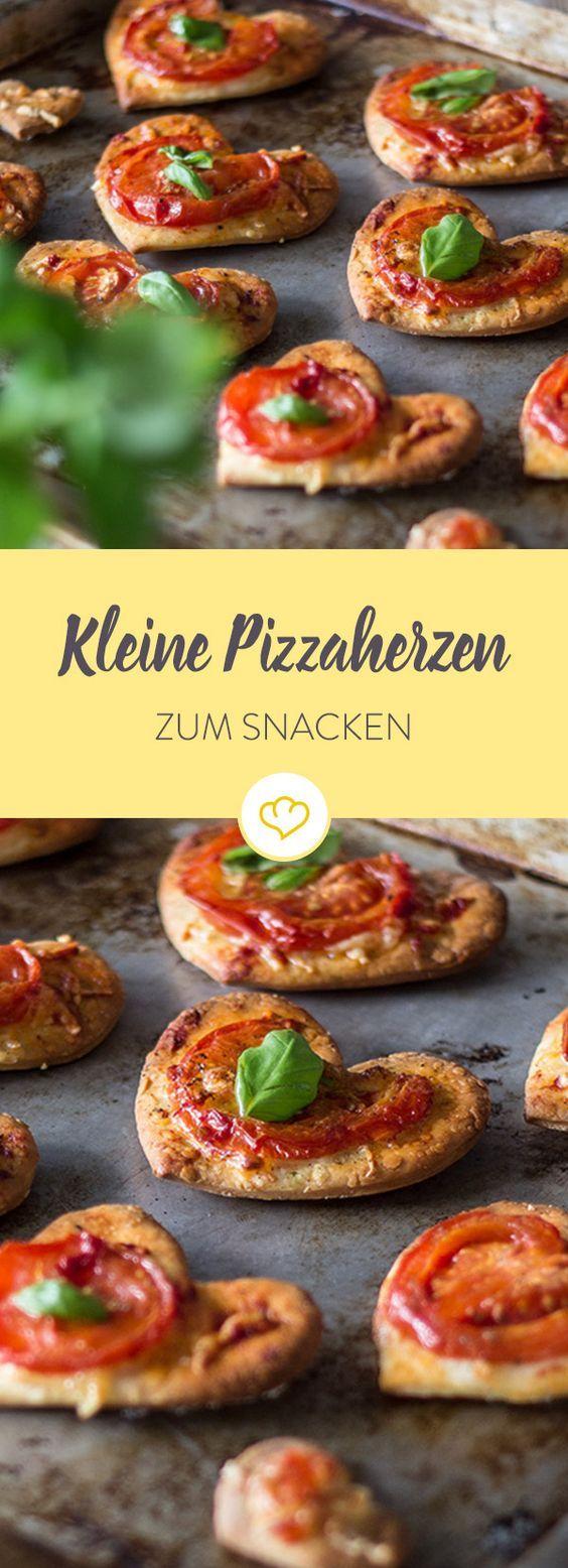 Small pizza hearts   – essen