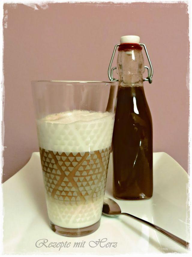 Haselnusssirup - 200 g Haselnüsse ( mit oder ohne Schale )  500 g Zucker 500 g Wasser  Haselnüsse in einer Pfanne ohne Fett anrösten. In den Mixtopf geben und 5 Sek. / Stufe 5 zerkleinern.  Wasser und Zucker dazugeben