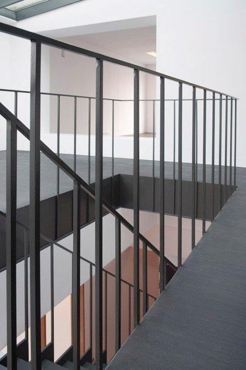 17 beste idee n over metalen trap op pinterest trap ontwerp trappenhuis ontwerp en trap On metalen trapontwerp