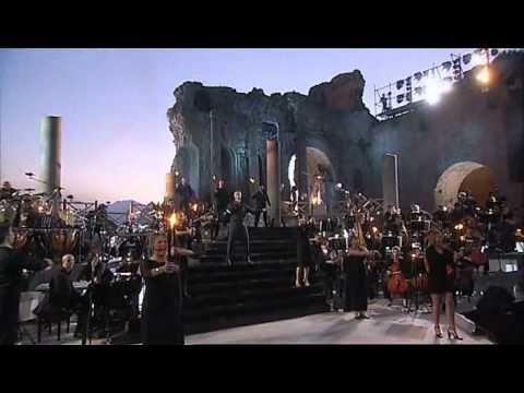 """Stupenda """"Luna"""" di Alessandro Safina.. nella stupenda Taormina..."""