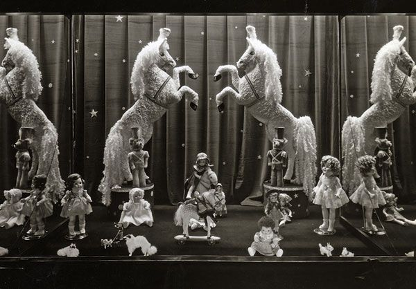 1930s Christmas toy display window, Dayton's of Minneapolis. Click through for many more delightful examples of Christmas windows from the 1800s-1960s!:
