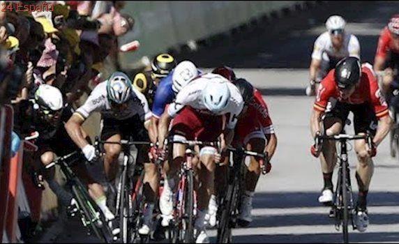Peter Sagan derriba a Cavendish | Cuarta etapa | Tour de Francia 2017