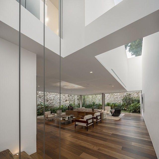 Arthur Casas - love the timber floor colour