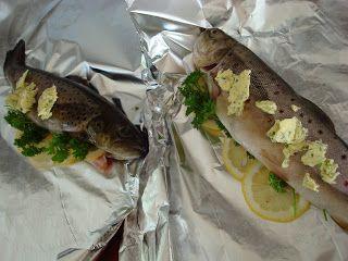 Hva kan nå være bedre enn hel grillet fisk? Enkelt å tilberede og så godt...