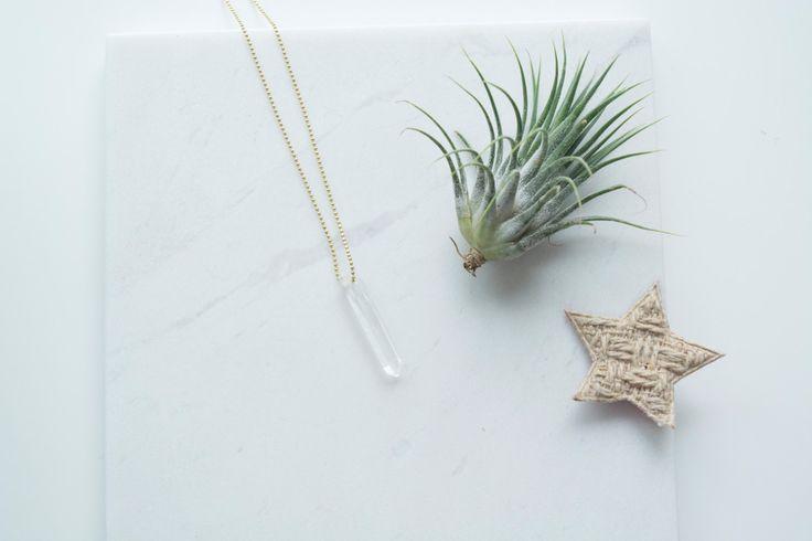Lange ketting met kristallen hanger door jewelsandgoodies op Etsy