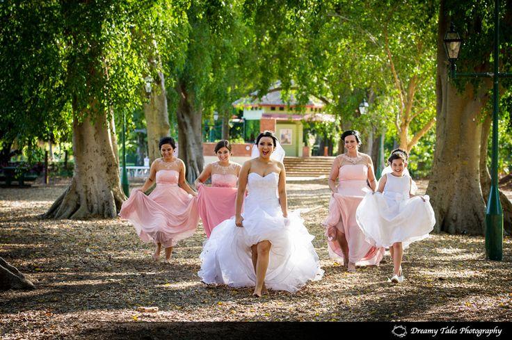 Bride and Bridesmaids in Brisbane botanical gardens