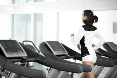 How Long Should I Exercise on the Treadmill for Ab Results?