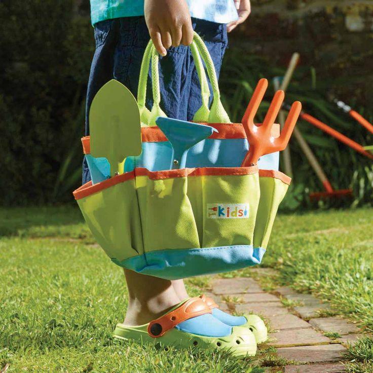 Attrezzi da giardino per bambini. Set utensili da giardino, carriola annaffiatoio, secchiello tutto l'occorrente per la spiaggia e il giardinaggio Briers #Kids #Childrenfun