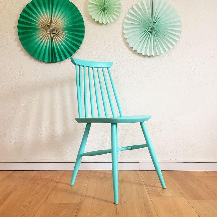 Chaise scandinave en bois vintage rénové
