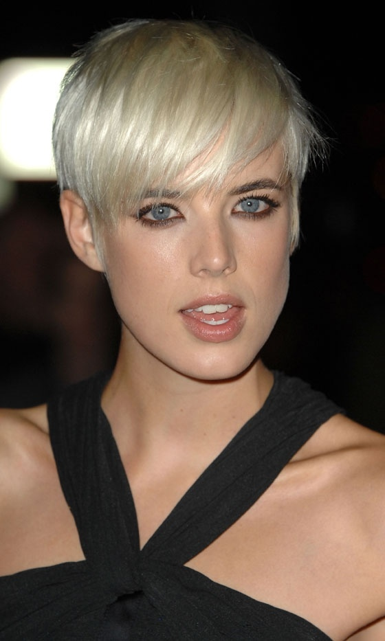 Agyness Deyns Short Hair At The Golden Age Of Couture Gala, 2007