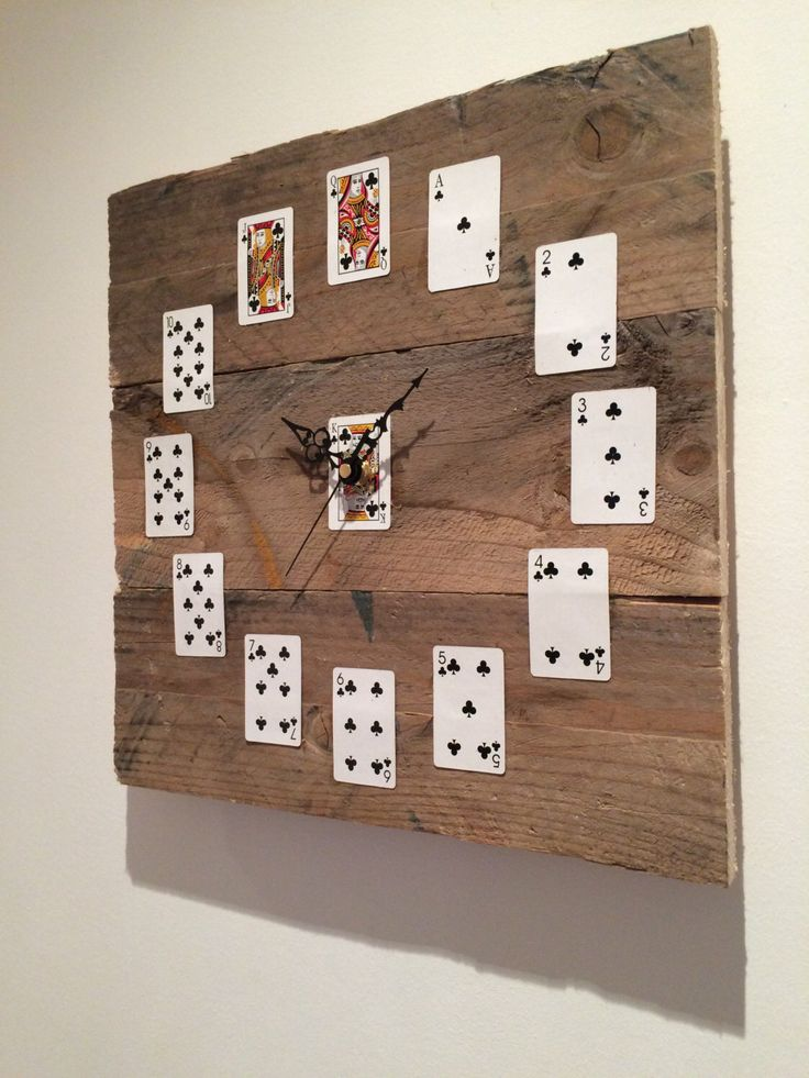 Playing card reclaimed pallet wood clock by NessDoesUpcycle on Etsy https://www.etsy.com/listing/255089797/playing-card-reclaimed-pallet-wood-clock
