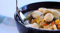 Вкусный куриный суп с кукурузой и зеленым горошком