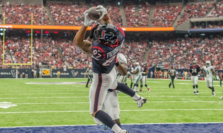 Texans' TE C.J. Fiedorowicz ready for Vikings = Tight end C.J. Fiedorowicz has a sprained medial collateral ligament (MCL), but he's been at practice with the Texans for the last two days in a row. When asked how he'd be doing for the game against the Vikings this.....