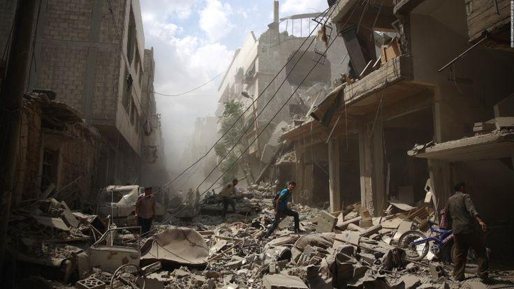 Estados Unidos bombardea una base militar siria en represalia a un ataque químico contra civiles sirios. Rusia, China, e Irán se pronuncian en contra del acto militar, mientras que voces internacio…