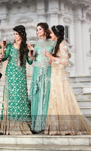 Pakistani fashion. uploaded by Fatimah Hayat.