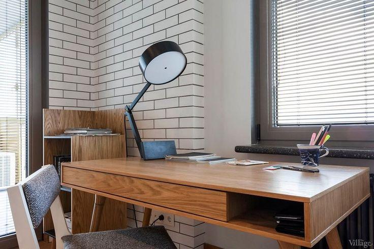 Fehér falak, meleg fa felületek - háromszobás lakás skandináv stílusban - Lakberendezés trendMagazin
