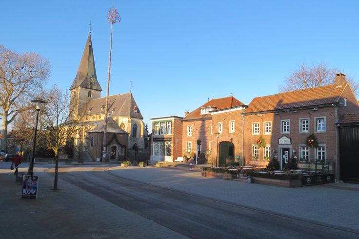 2014-12-28 Het dorpsplein in hartje Noorbeek