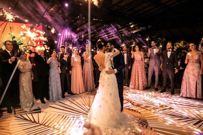 Millennials Making New Spring Wedding Traditions In 2020 Wedding Millennial Wedding Wedding Playlist