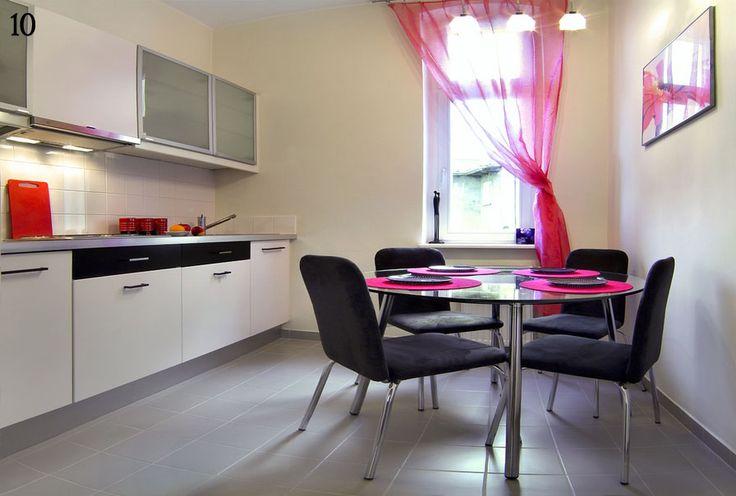 http://www.apartamenty-pomaranczarnia.pl/img/galeria/5/11-10/05.jpg
