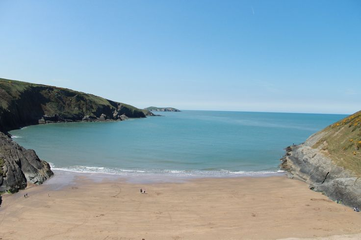 Mwnt Beach, near Cardigan. Traeth Mwnt wrth ymyl Aberteifi