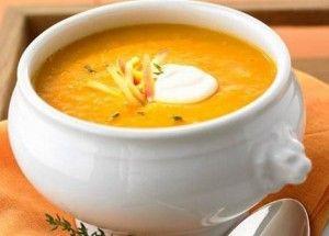 Zahřejte se touto božskou dýňovou polévkou