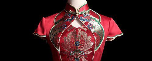 A cheongsam is a body-hugging one-piece Chinese dress for women. Traditionally, it is tight-fitting and would go as long as the ankle, made famous by the people of Shanghai as their attire for the rich and wealthy, but now, many variations of the dress is available. The cheongsam fashion nowadays have been modified to look more modern, but still managed to keep the oriental flavour by preserving the Mandarin collar, the exquisite patterns, and of course, the iconic Chinese buttons.