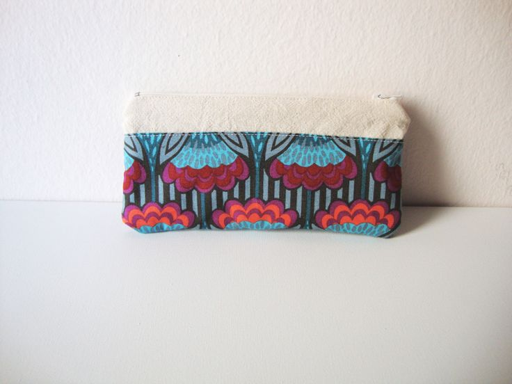 calico wallet by AKUGI combined with a designer fabric  https://www.facebook.com/akugi.etsy