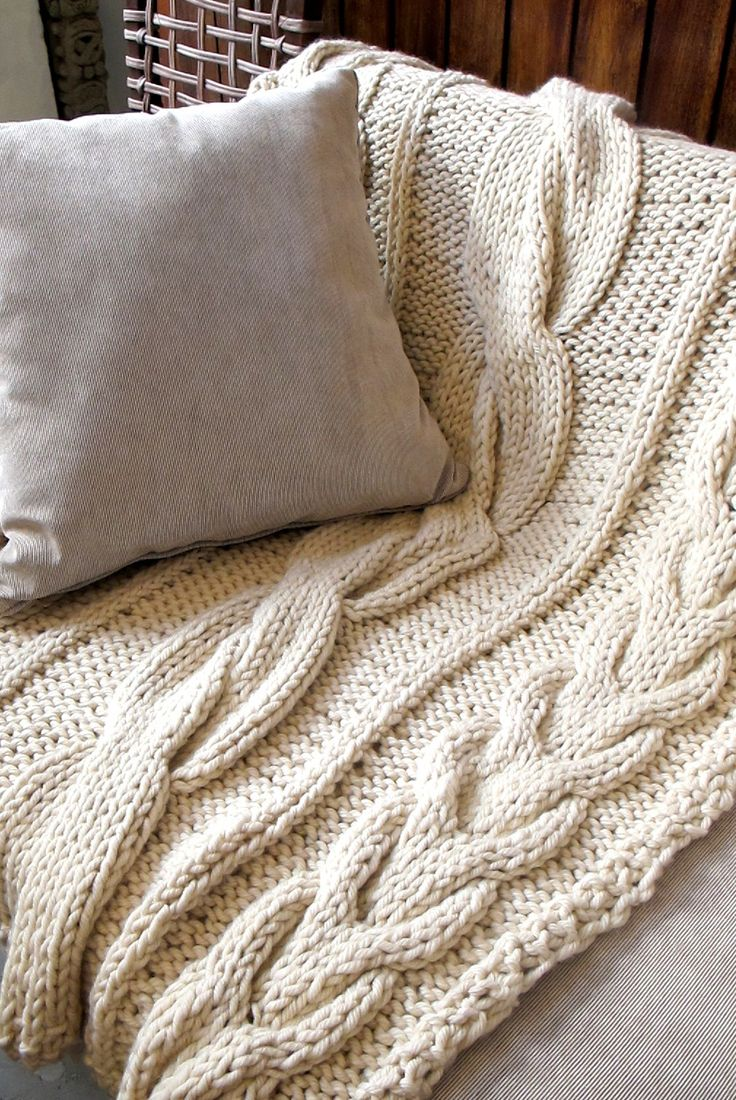 Large Chunky Knit Throw Blanket 100% merino wool Throws and Blankets Pint...