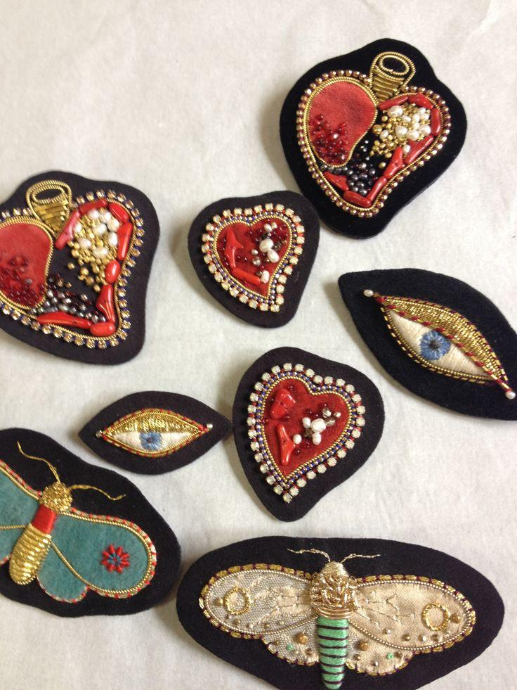 moth and heart brooches embroidery 2013 ©Azumi Sakata