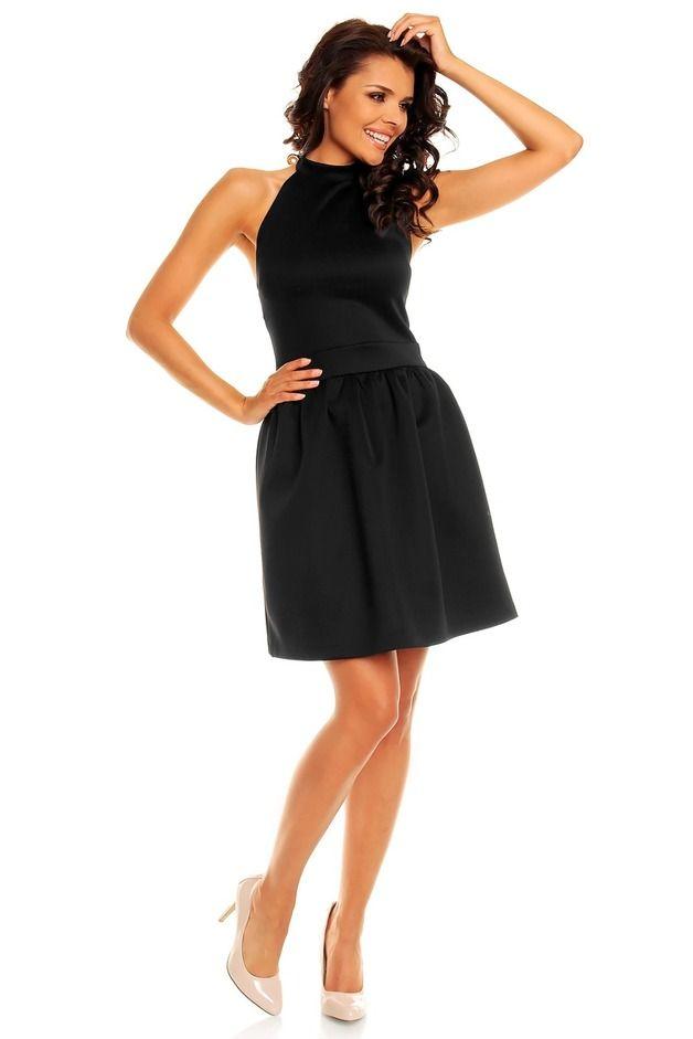 Przepiękna czarna sukienka bez pleców