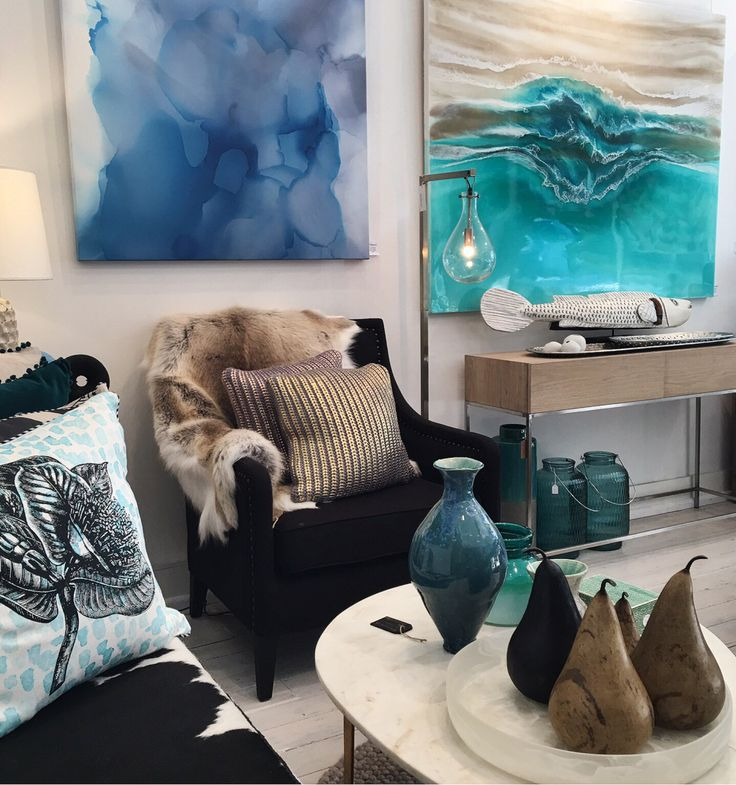 Another view of the Martine Gallery to end the day. 44 Sailors Bay Road Northbridge Sydney. Pop in for a visit if you are near by tomorrow.