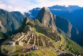 12 – En 1438, el Imperio incaico inicia su expansión hasta dominar, hacia el siglo XVI, el territorio más extenso en el hemisferio occidental.