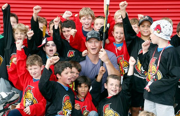 Chris Neil visits summer hockey camp