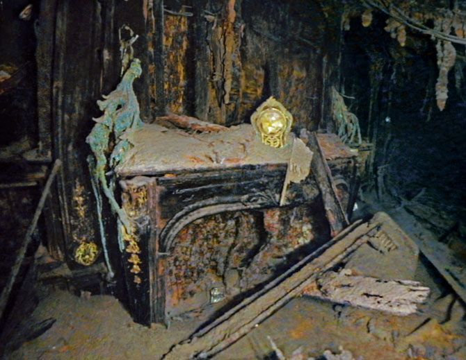 Titanic Stuff Found | National Geographic photo gallery from the Titanic.