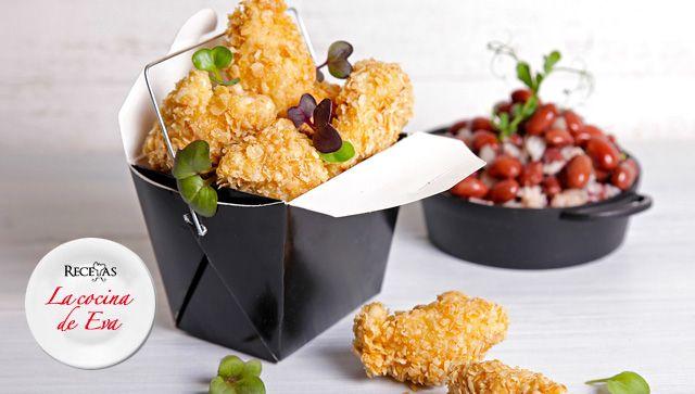Pollo rebozado en avena, guarnición de arroz con frijoles y leche de coco   Carnes